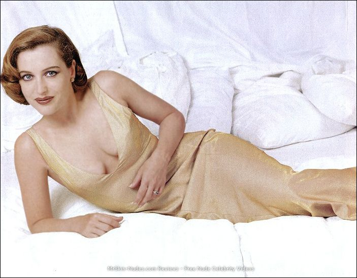 What actress gillian anderson nude that